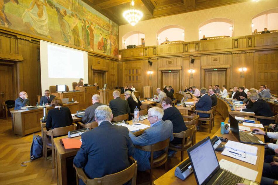 Im Stadtrat hat Pro Chemnitz keinen Fraktionsstatus mehr. Das hat Konsequenzen, unter anderem bei der Finanzierung.