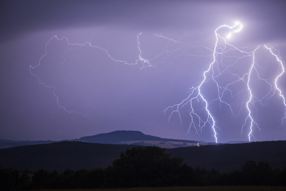 Wie schlimm wird das Gewitter über Leipzig? (Symbolbild)