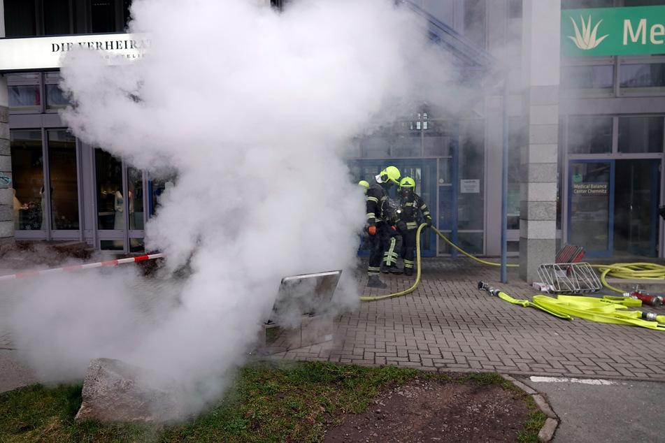 Chemnitz: Chemnitz: Feuerwehreinsatz in Physiotherapie, Gebäude evakuiert