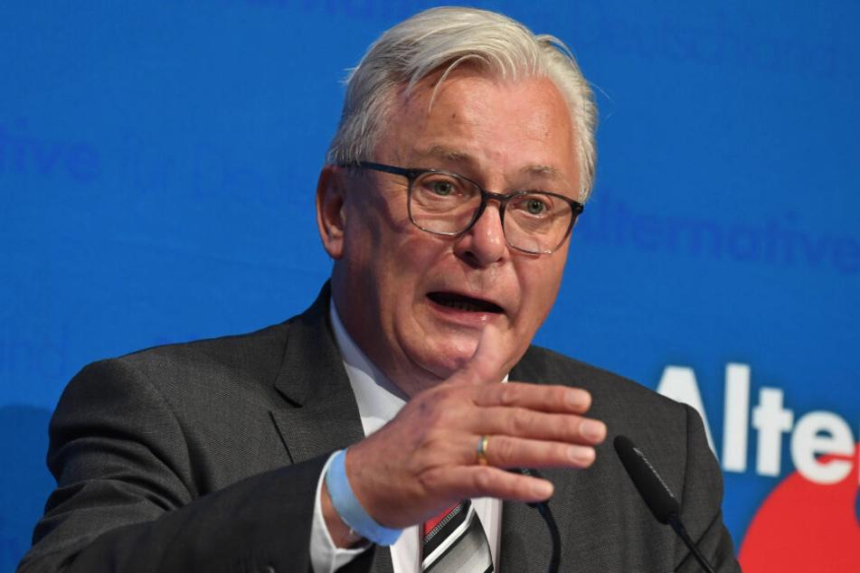 Die Möglichkeit zur Zerstörung der AfD besteht, befürchtet Bernd Gögel.