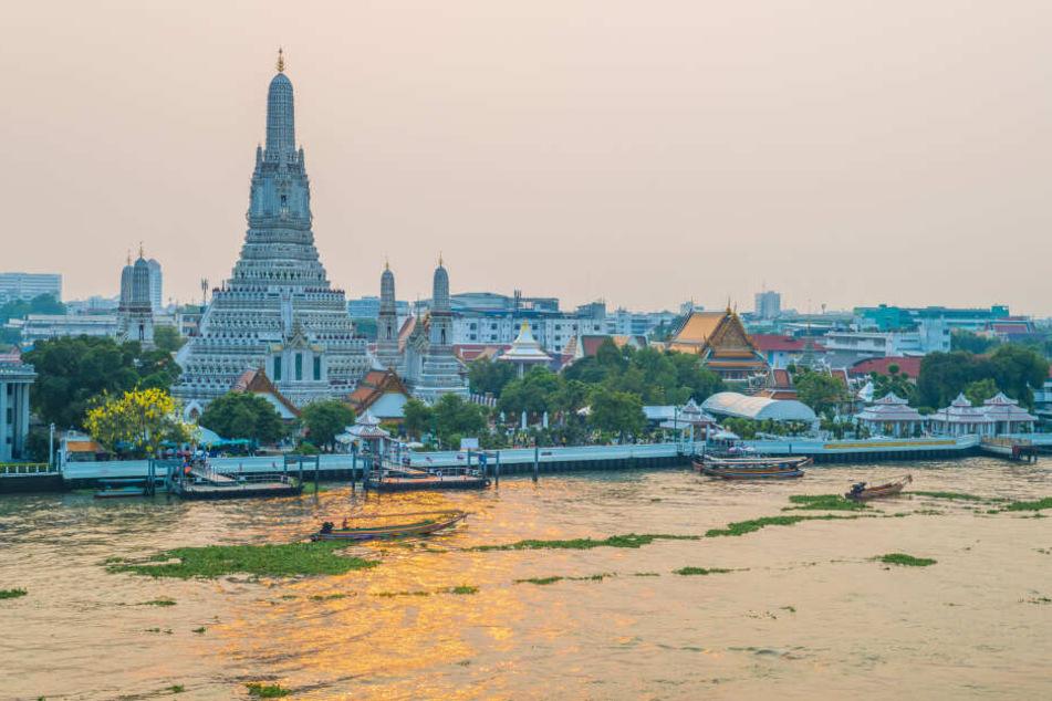 Bereits zum vierten Mal bereist Rommy Arndt Thailand. Diesmal ist sie am Golf von Thailand, unter anderem auch in Bangkok.