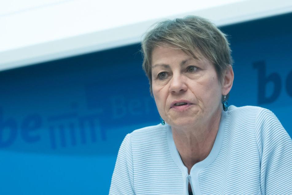 Der Berliner Flüchtlingsrat stellt erneut dringende Forderungen an das Landesamt für Flüchtlingsangelegenheiten und Sozialsenatorin Elke Breitenbach (Linke).