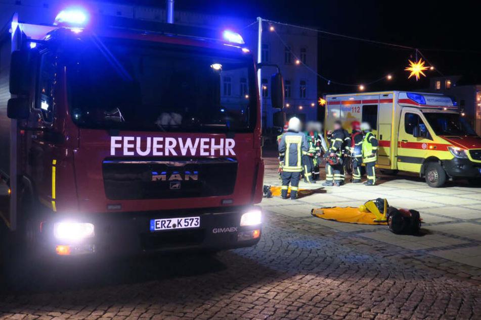 ABC-Alarm im Erzgebirge: Wohnhaus evakuiert, Mehrere Verletzte