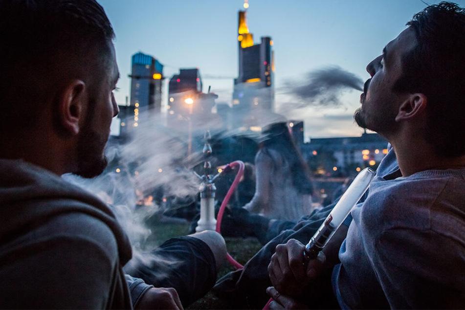 Immer mehr Menschen vergiftet: Wie gefährlich ist Shisha-Rauchen?