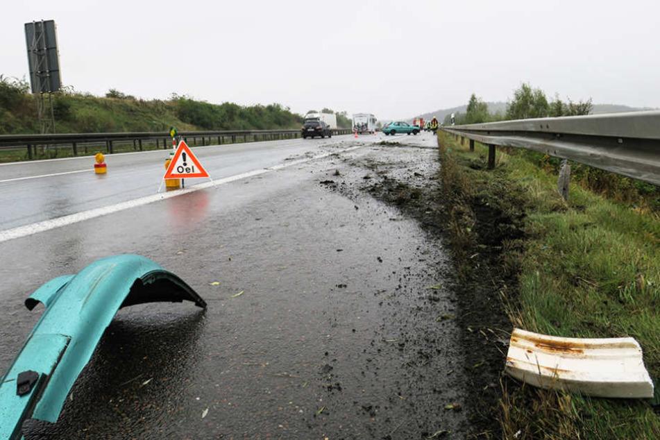 Am Donnerstag gerieten mehrere Autos auf der A72 ins Schleudern: Wegen einer Ölspür.