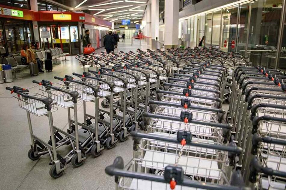 Weil das Bodenpersonal streikt, geht an Berlins Flughäfen fast nichts mehr.