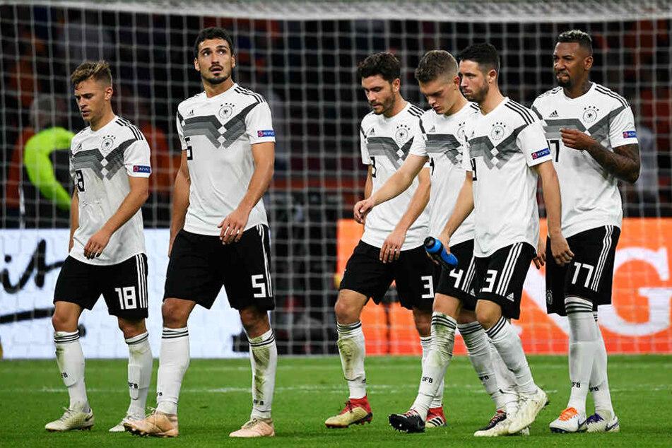 Die DFB-Elf brach am Ende auseinander und muss nun viel Hohn, Spott und Kritik über sich ergehen lassen.