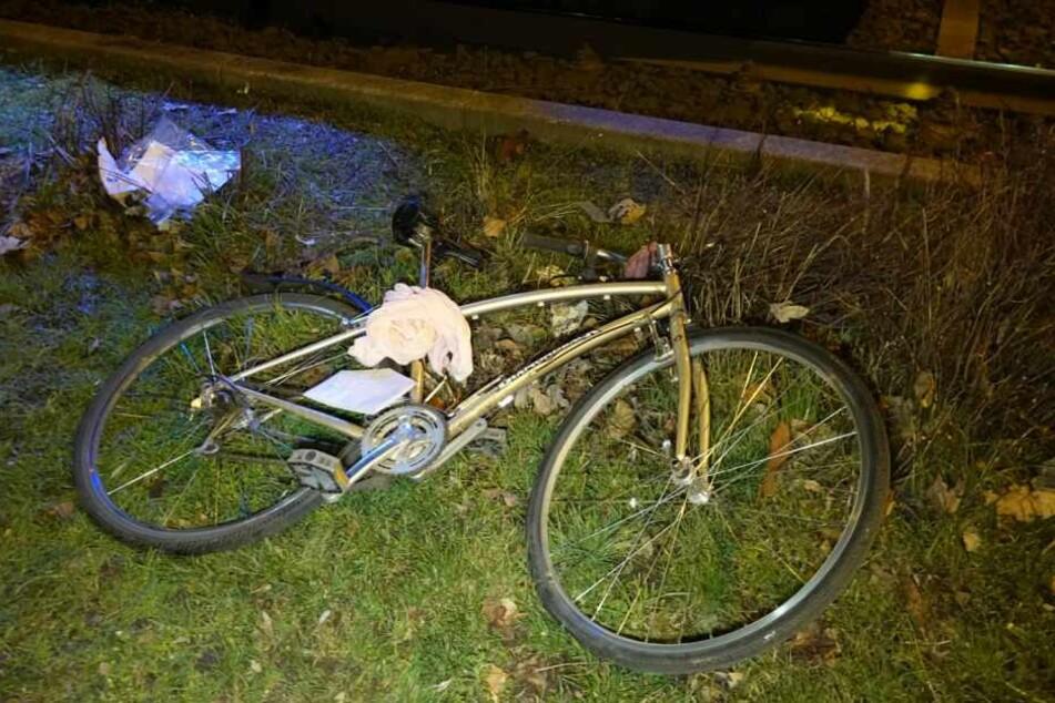 Die Radfahrerin wurde schwer verletzt in ein Krankenhaus gebracht.