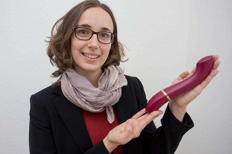 """Laviu-Chefin Julia Ryssel (29) zeigt den lautlosen, himbeerroten Prototypen """"Laviu One""""."""