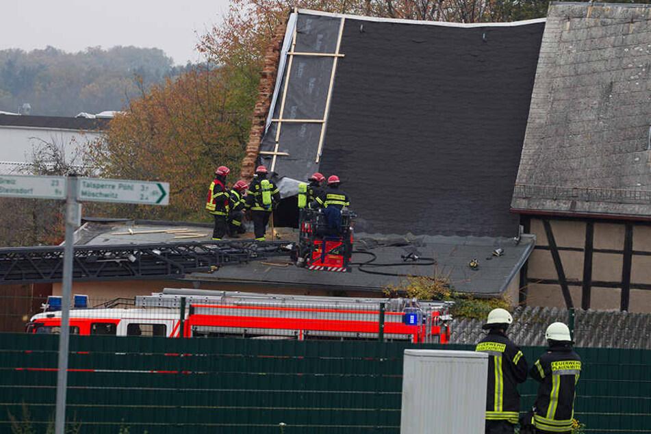In der Möschwitzer Straße im Plauener Stadtteil Alt-Chrieschwitz brannte es schon 14 Mal im selben Vierseitenhof. Am Samstag war die Feuerwehr schnell vor Ort und konnte so Schlimmeres verhindern.
