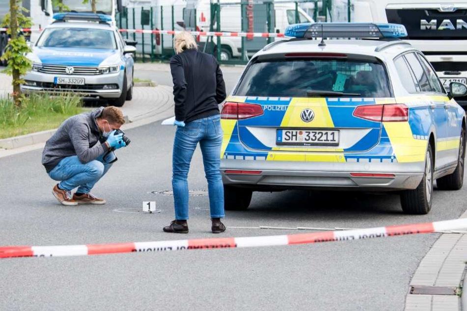 Bei einem Polizeieinsatz in Schleswig-Holstein ist im Mai 2019 ein Mann von Beamten angeschossen und schwer verletzt worden.