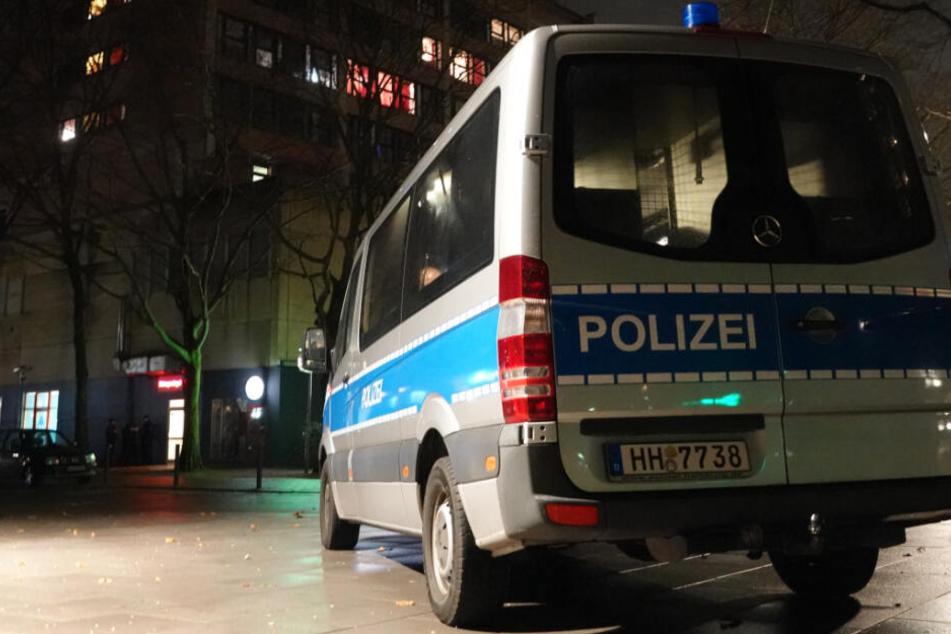 Die Hamburger Polizei wurde in der Nacht von aufmerksamen Zeugen alarmiert. (Symbolbild)
