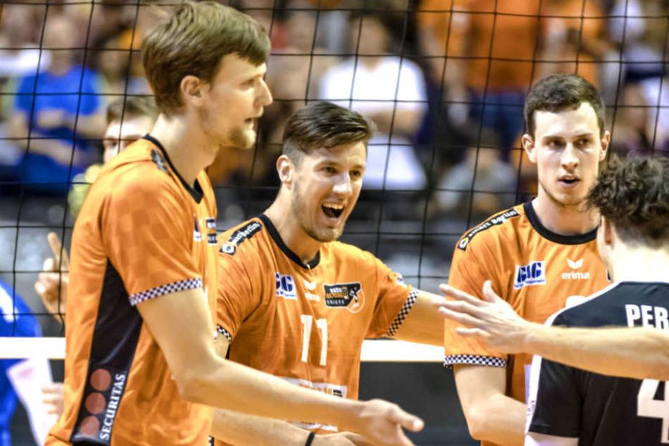 Die BR Volleys sind am Mittwoch zum dritten Mal in Folge deutscher Volleyball-Meister geworden.