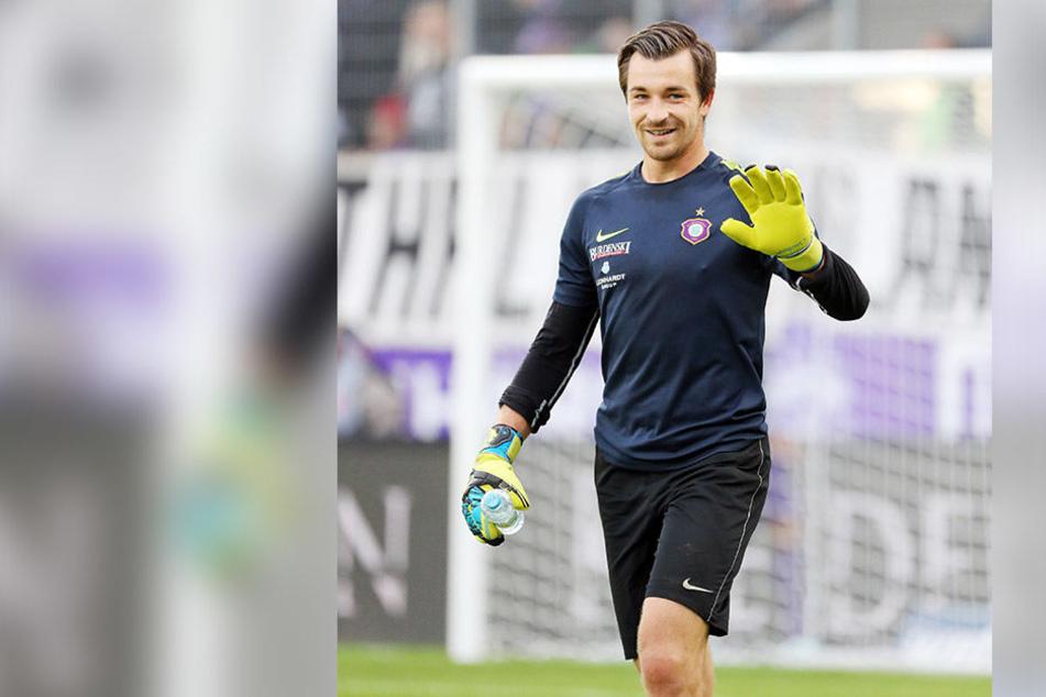 Stammtorhüter Martin Männel hat seinen Vertrag beim FCE verlängert.