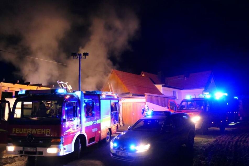 Durch das Feuer entstand ein Sachschaden von 10000 Euro.