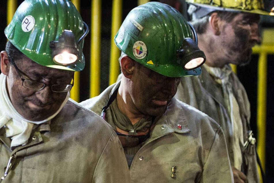 Die Bergleute, die am 18.12.2015 in Marl im Ruhrgebiet die letzte Kohle der Zeche Auguste Victoria gefördert haben.