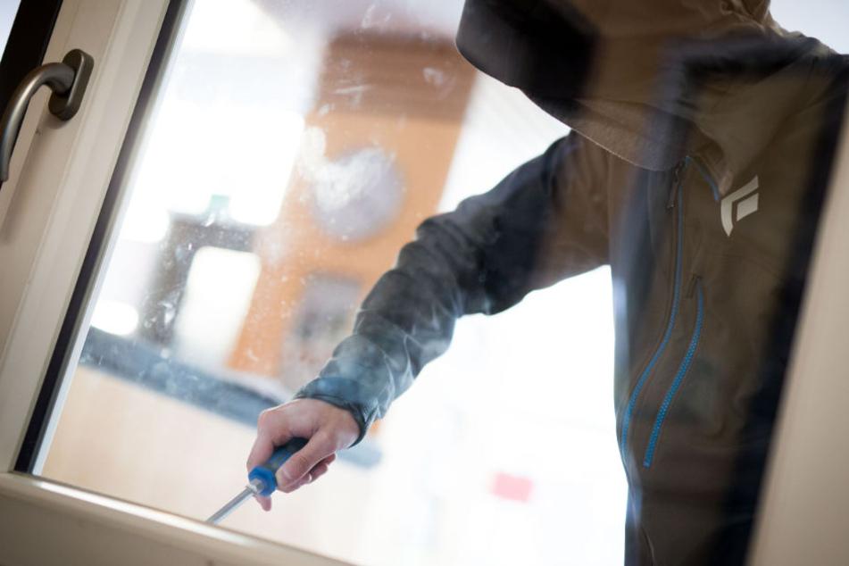 Ein Fenster kann in wenigen Sekunden aufgehebelt werden (Symbolfoto).