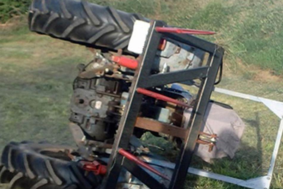 Für den Traktorfahrer kam jede Hilfe zu spät. (Symbolbild)