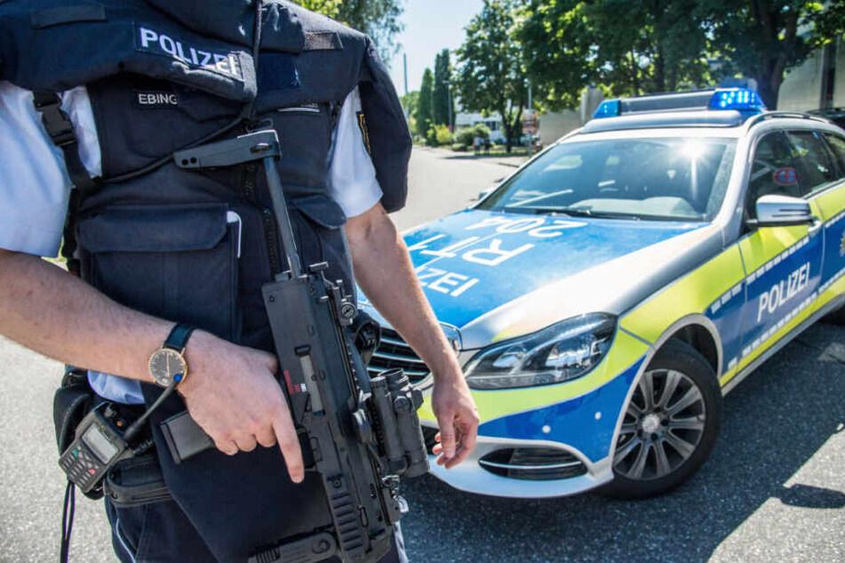 Die Polizei stoppte den Jugendlichen bei seiner Rückkehr auf das Schulgelände. (Symbolbild)