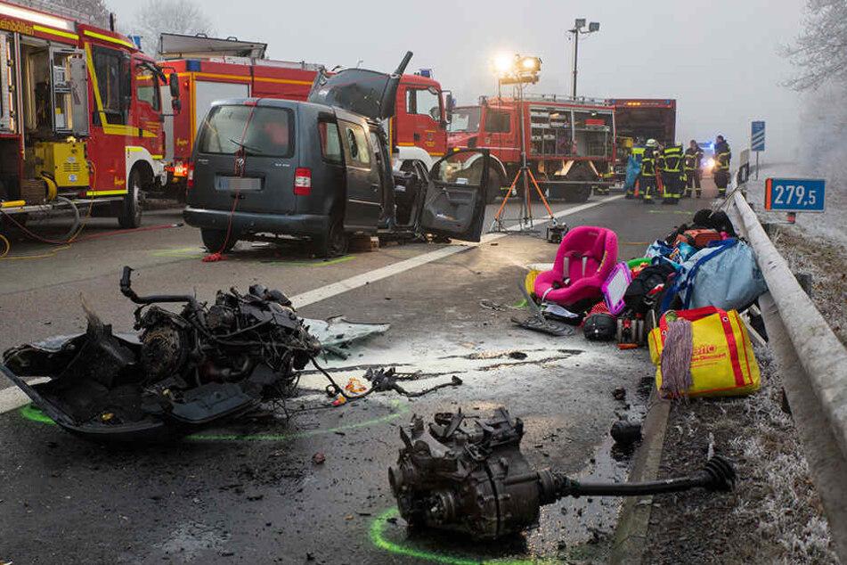 In Rheinland-Pfalz sind zwei Menschen bei dem Unfall eines Geisterfahrers ums Leben gekommen.