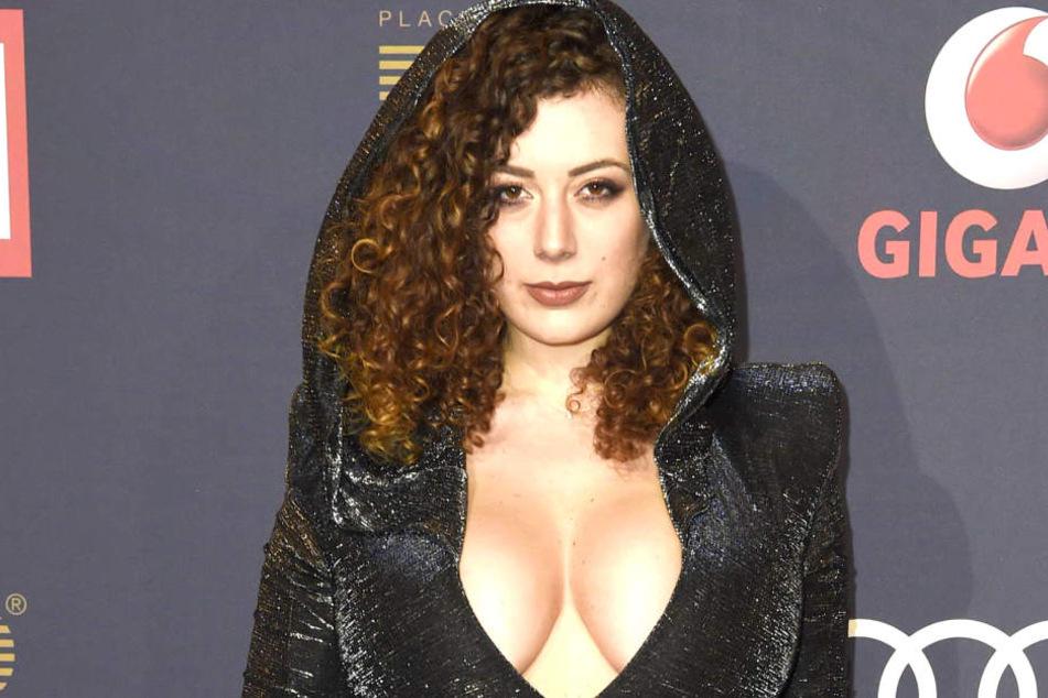 Angeblich auch mit von der Partie: Sex-Podcasterin Leila Lowfire (25).