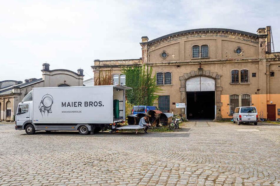 Die Fabrikhalle in Dresden-Übigau ist seit 1886 in Betrieb. Vergangenen  Donnerstag wurden die Mauern zum Filmmotiv.