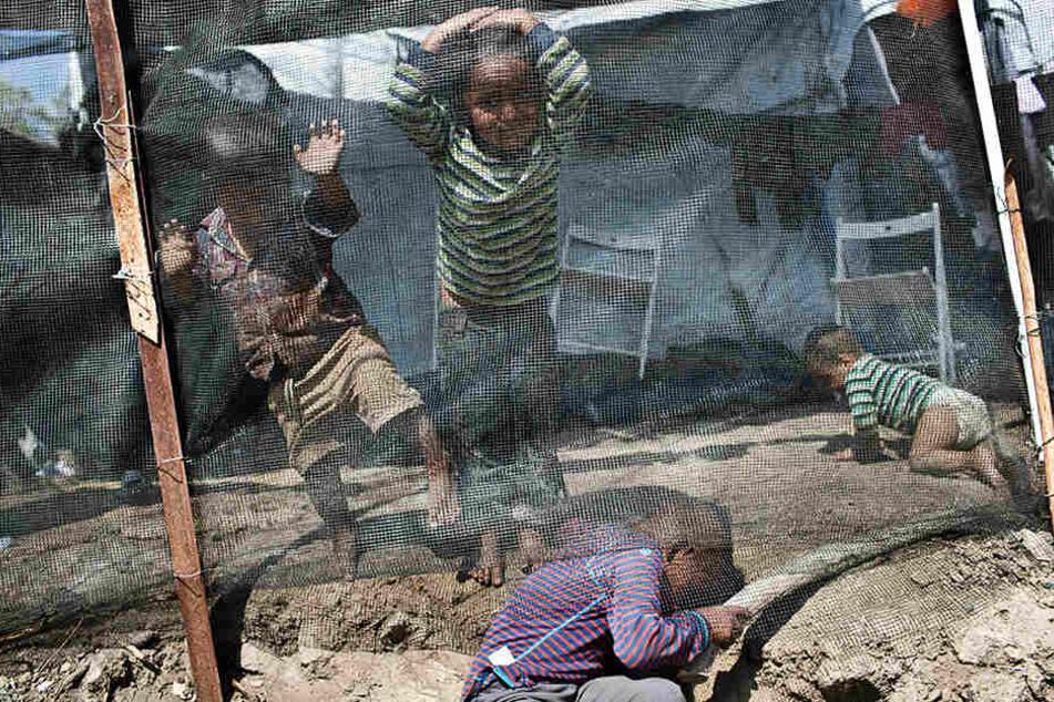 Entsetzliche Lebensbedingungen: Kinder im Flüchtlingslager Moria auf der Ägäisinsel Lesbos.