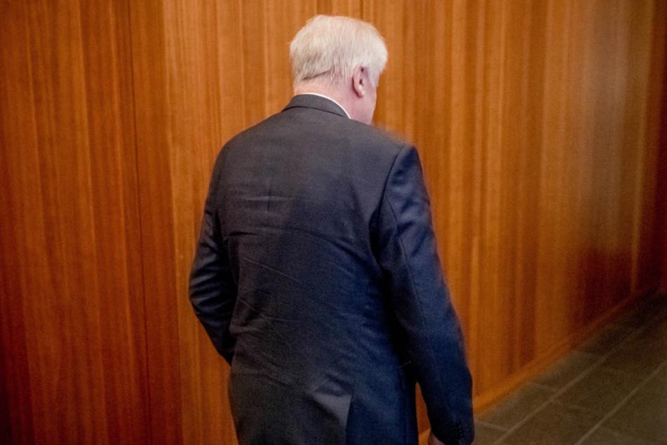 Viele seiner Partei-Kollegen machten Horst Seehofer für das Wahldebakel verantwortlich. (Archiv)