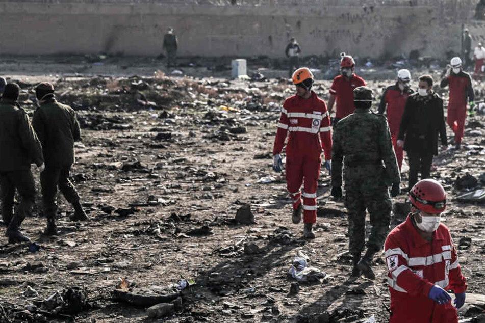 Abschuss von Flugzeug im Iran vermutet: Untersuchungen laufen auf Hochtouren
