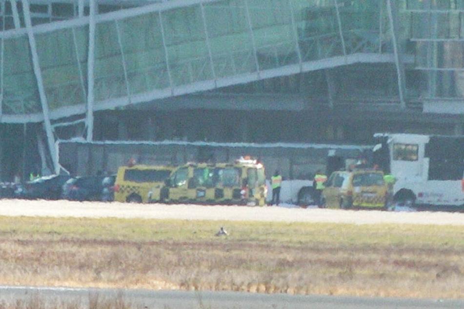 Am Flughafen in Nürnberg ist ein Busfahrer bei einem Unfall ums Leben gekommen.
