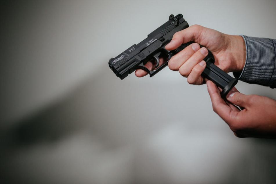 In Chemnitz gibt es immer mehr Kleine Waffenscheine