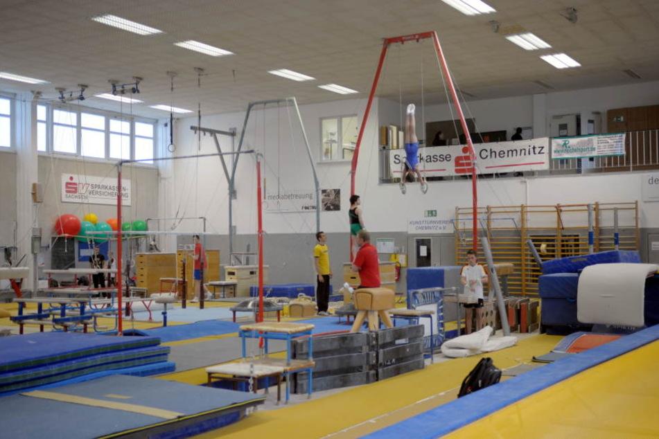 Die Halle, in der die Kunstturner im Sportforum trainieren, soll vergrößert werden. (Archivbild)