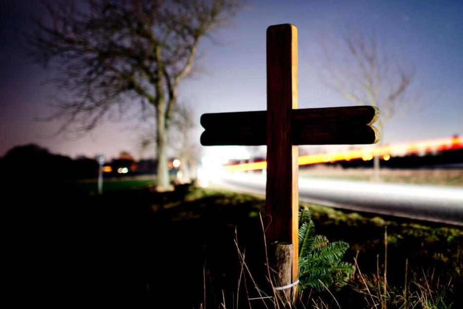 Die Zahl der Unfall-Toten ist im vergangenen Jahr laut Innenminister Reul in NRW gestiegen um 1,2 Prozent gestiegen.