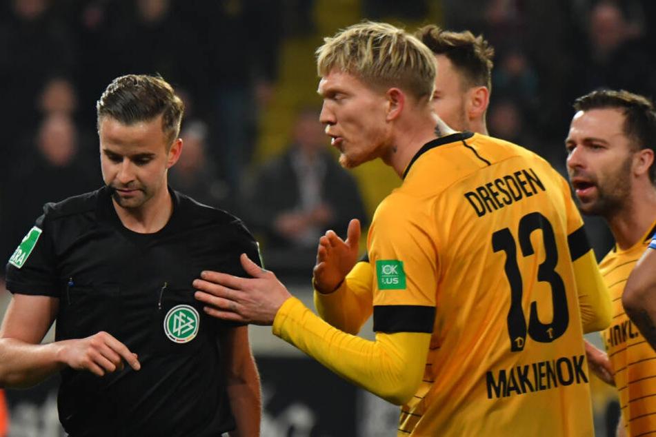 Sieben-Minuten-Debüt: Simon Makienok kam gegen Darmstadt in der 71. Minute, flog in der 78. mit Rot runter. In Regensburg darf der Däne wieder ran.