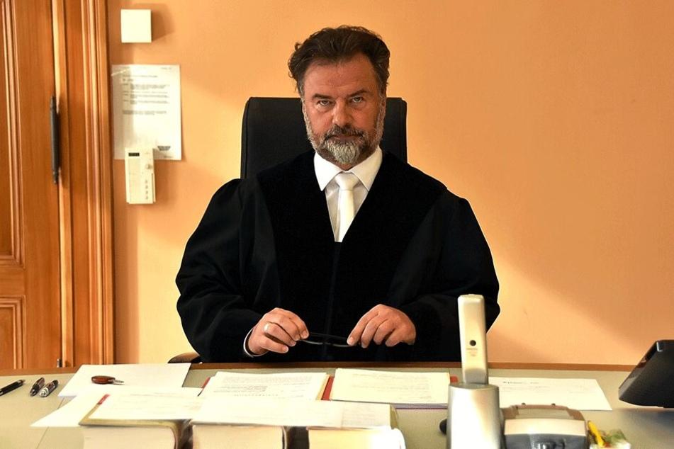 Richter Andreas Behrens (56) blieb knallhart: Die Haftstrafe für die Mutter setzte er NICHT zur Bewährung aus.