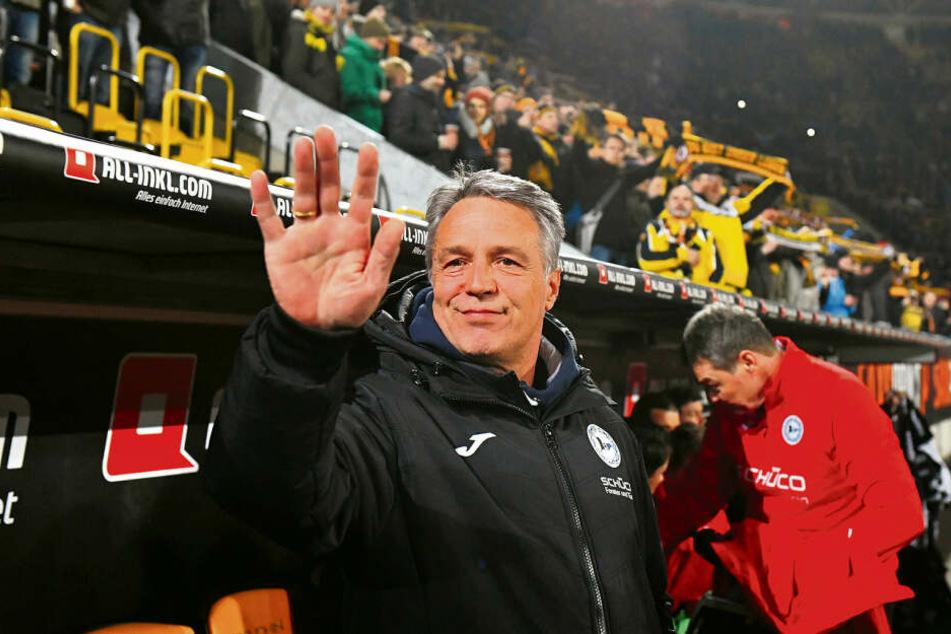 """""""Das ist eine heiße Situation für die"""", weiß Dynamos Ex-Coach Uwe Neuhaus, der seit Dezember 2018 Trainer der Arminia ist."""