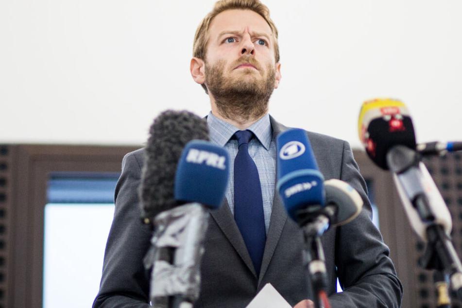 Markus Schmitt, Sprecher der Bundesanwaltschaft, gibt ein Statement zum Tatverdächtigen im Mordfall Lübcke ab.
