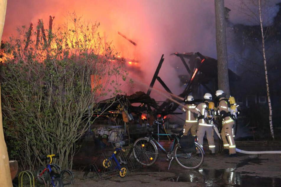 Heftiger Brand in Köpenick: Wald-Kita abgefackelt