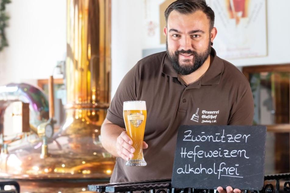 Dominik Naumann (37), Chef vom Brauerei Gasthof Zwönitz, hat sein erstes alkoholfreies Hefeweizen-Bier gebraut.