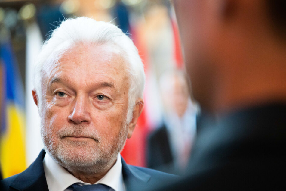 So adrett wie sonst sieht Wolfgang Kubicki im Homeoffice nicht aus. (Archivbild)