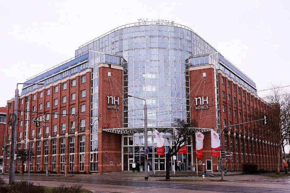 Ein bislang unbekannter Mann hat am vergangenen Samstag das Hotel NH Dresden Neustadt überfallen.