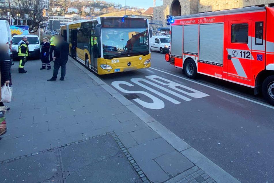 Heftiger Bus-Unfall am Stuttgarter Hauptbahnhof: Fünf Verletzte