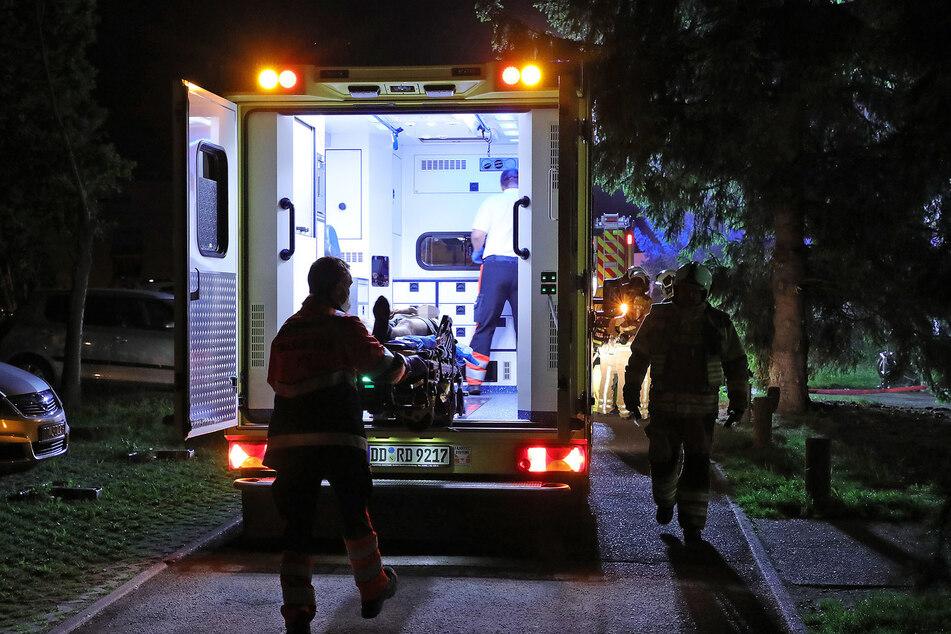 Der Anwohner des Mehrfamilienhauses wurde mit einem Rettungswagen in ein Krankenhaus gebracht.