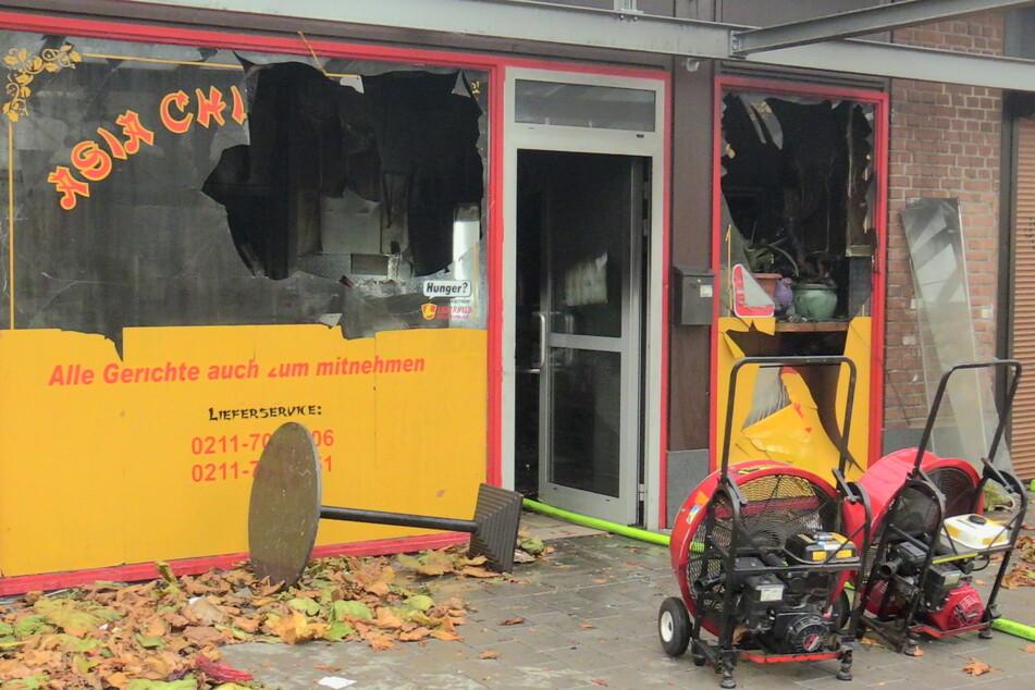 Imbiss in Düsseldorf abgefackelt, Schaden auf 80.000 Euro geschätzt