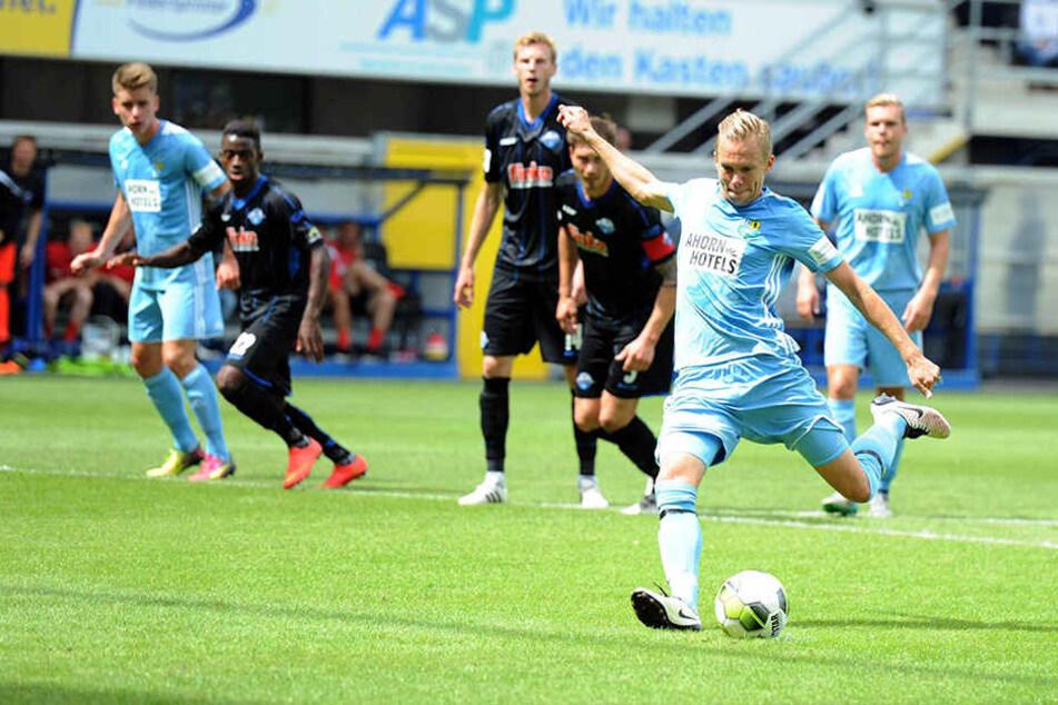 Dennis Grote trat zum Elfmeter an, fand jedoch in Leopold Zingerle vom SCP seinen Meister.