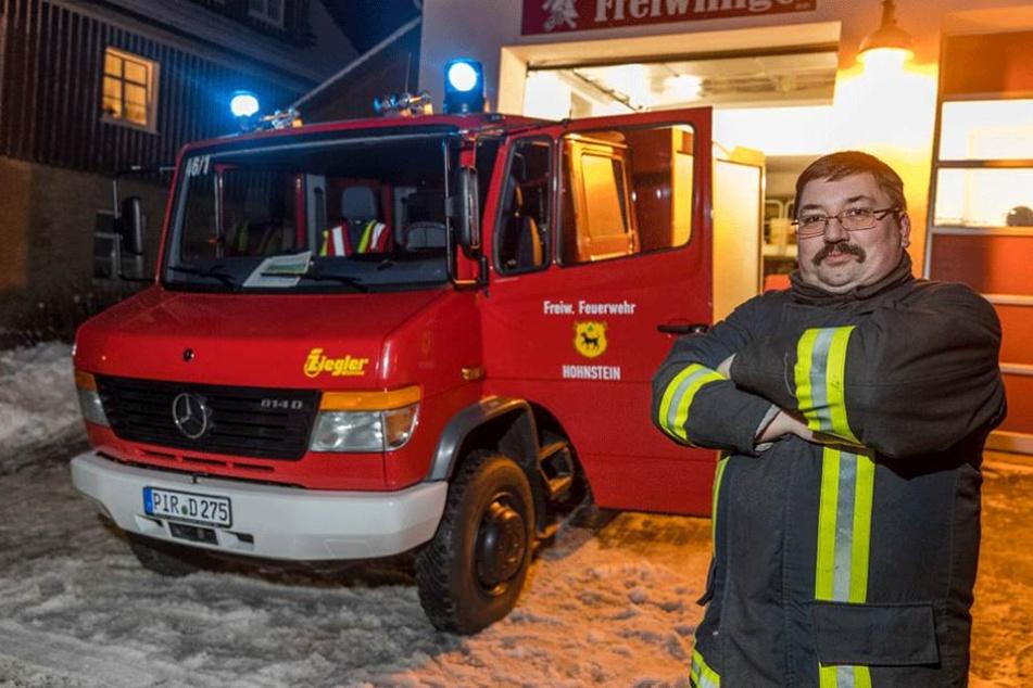 Wehrleiter Uwe Mandel (40) ist besorgt: Bei einem Alarm konnte seine Truppe nicht ausrücken.