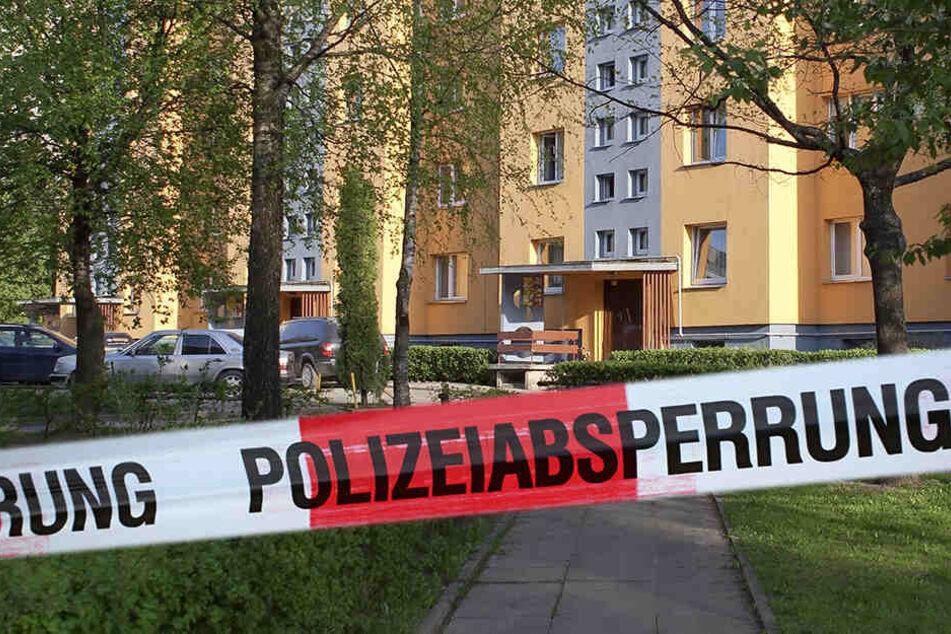 Todes-Drama! Baby stürzt aus Fenster und stirbt: Eltern waren in der Wohnung