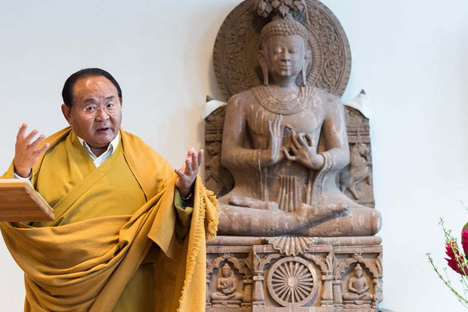 Sogyal Rinpoche, tibetischer Meditationsmeister und Lehrer der Nyingma-Tradition des tibetischen Buddhismus.