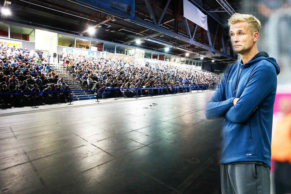 In der wieder gutgefüllten Messehalle könnte sich heute Abend die Zukunft des Chemnitzer FC mit entscheiden. CFC-Trainer David Bergner und seine Mannschaft werden bei der Mitgliederversammlung fehlen.