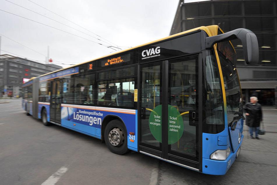 Achtung, die Busse könnten zu anderen Zeiten fahren! Netzbetreiber weisen darauf hin, sich die ab heute gültigen, neuen Fahrpläne anzuschauen.